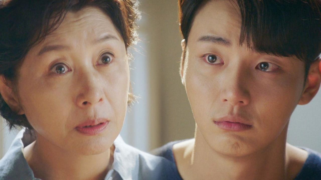 """눈물이 차오르는 윤시윤, 김혜옥의 진심 어린 한마디 """"힘들었지?"""""""