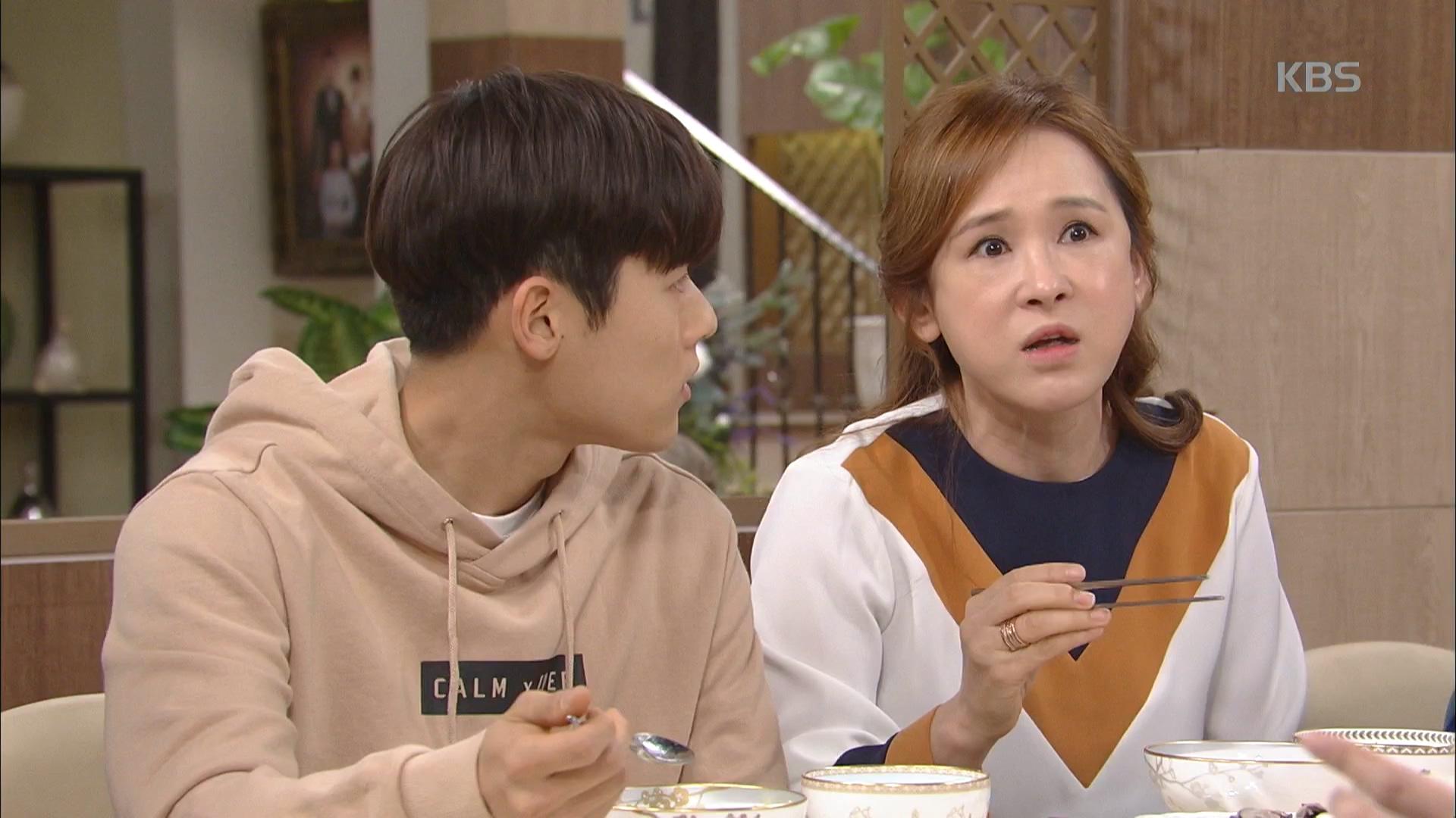 김도연 덕분에 가족들 배슬기 임신 눈치 못 채고 넘어간 식사시간.