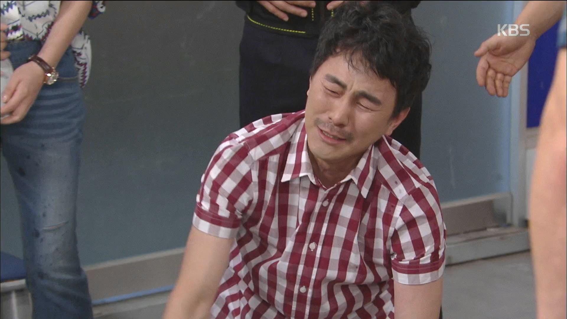 김현균, 술 취해 파출소에서 도지한에 어머니를 어머니라 부르지 못해.