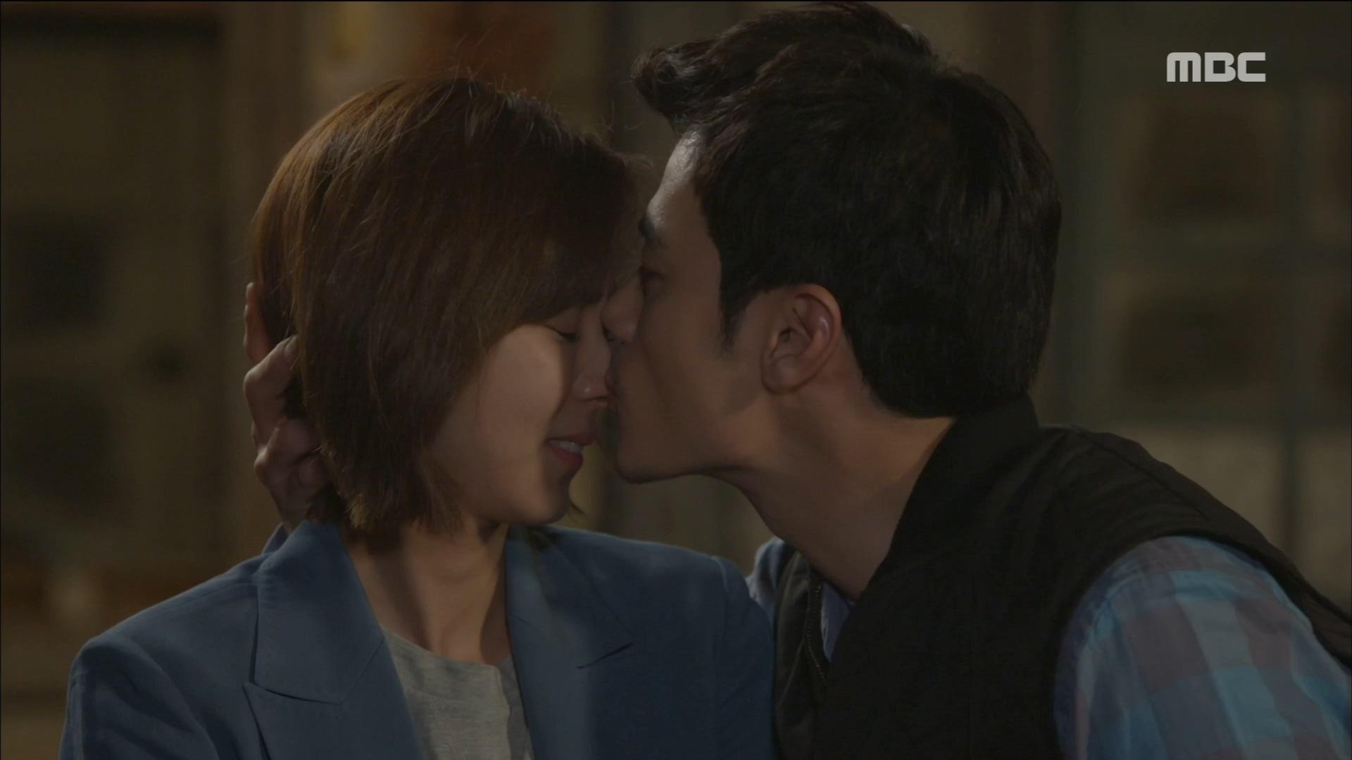 '사랑해' 고백한 유이에게 김강우, 달콤한 뽀뽀 세례♡