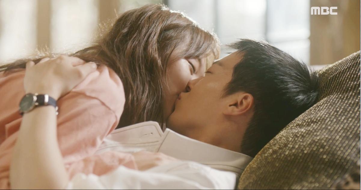 둘이라서 행복한 두 사람의 키스♥