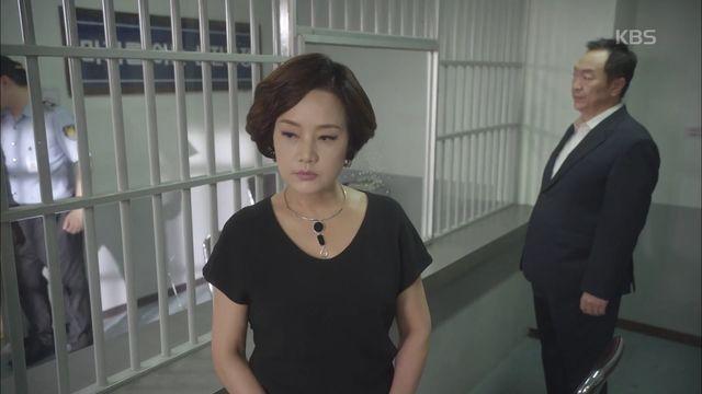 """결국 감옥에 간 김유석, """"김권은 못 오게 해줘"""""""