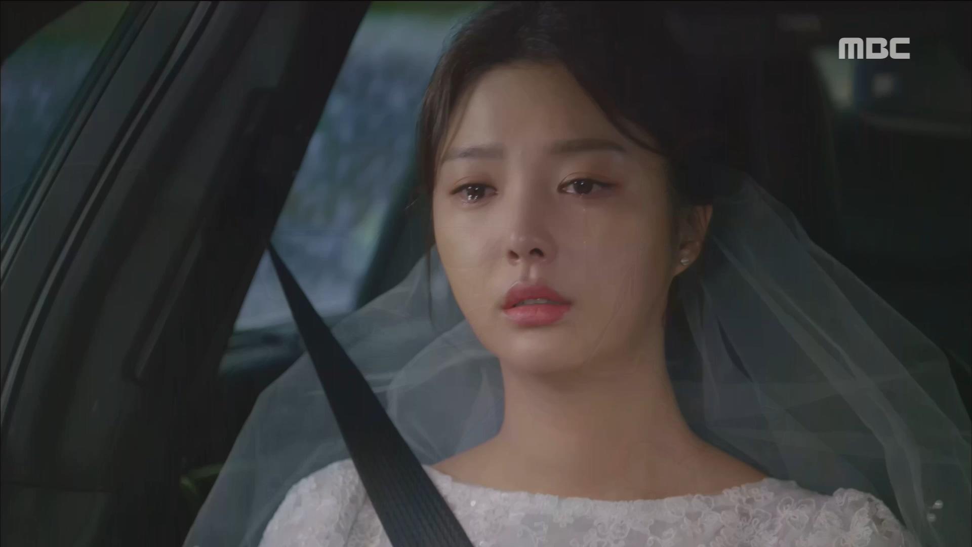 결혼식장을 뛰쳐나온 엄현경, 김영민 차에 타다?!